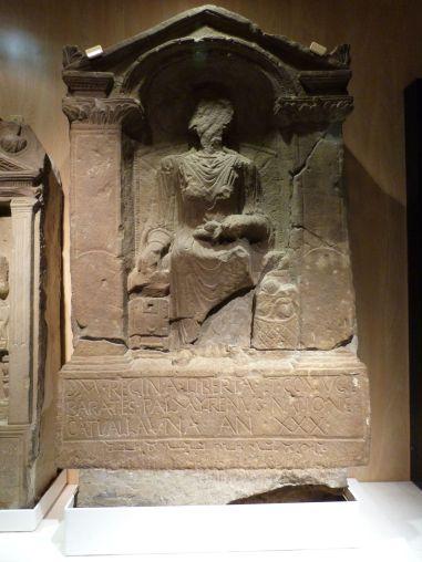 Grabstein der britannischen Frau eines Palmyreners im Museum von Arbeia - so international war der Hadrianswall