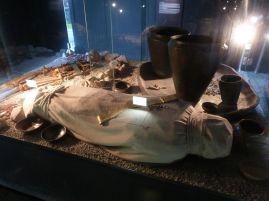 Rekonstruiertes hallstattzeitliche Grab auf dem Salzberg