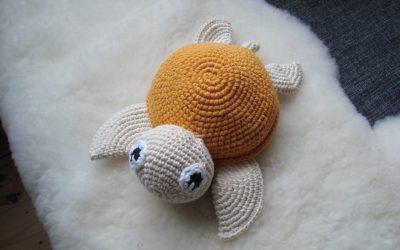 Stor hæklet skildpadde