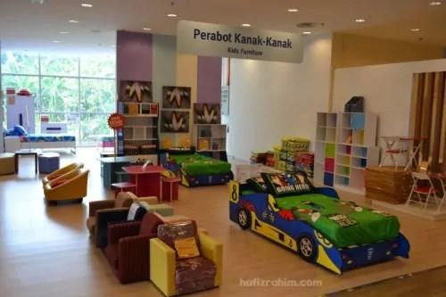 Courts Megastore - Perabot kanak-kanak