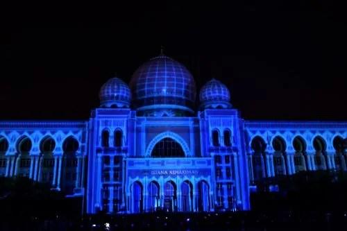 LAMPU Light Of Motion Putrajaya 2014-biru