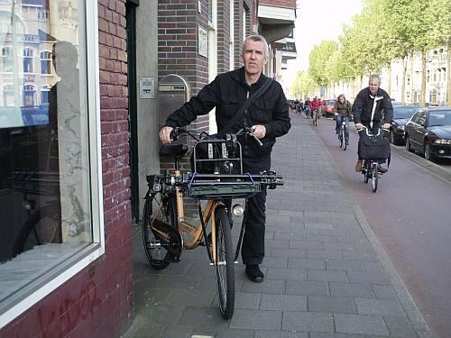 Nog geen tien minuten met de fiets op locatie