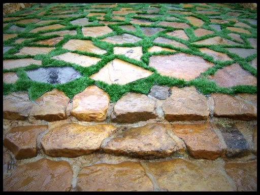 Miami_Landscape_Earth_2a_Faux_Turf_With_Natural_Stone