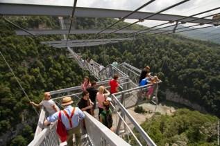 highest-suspension-bridge-in-russia
