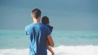 「父親」である男の背中は、なぜ魅力的なのだろう?