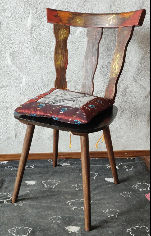 Wieder ein Stuhl fertig!