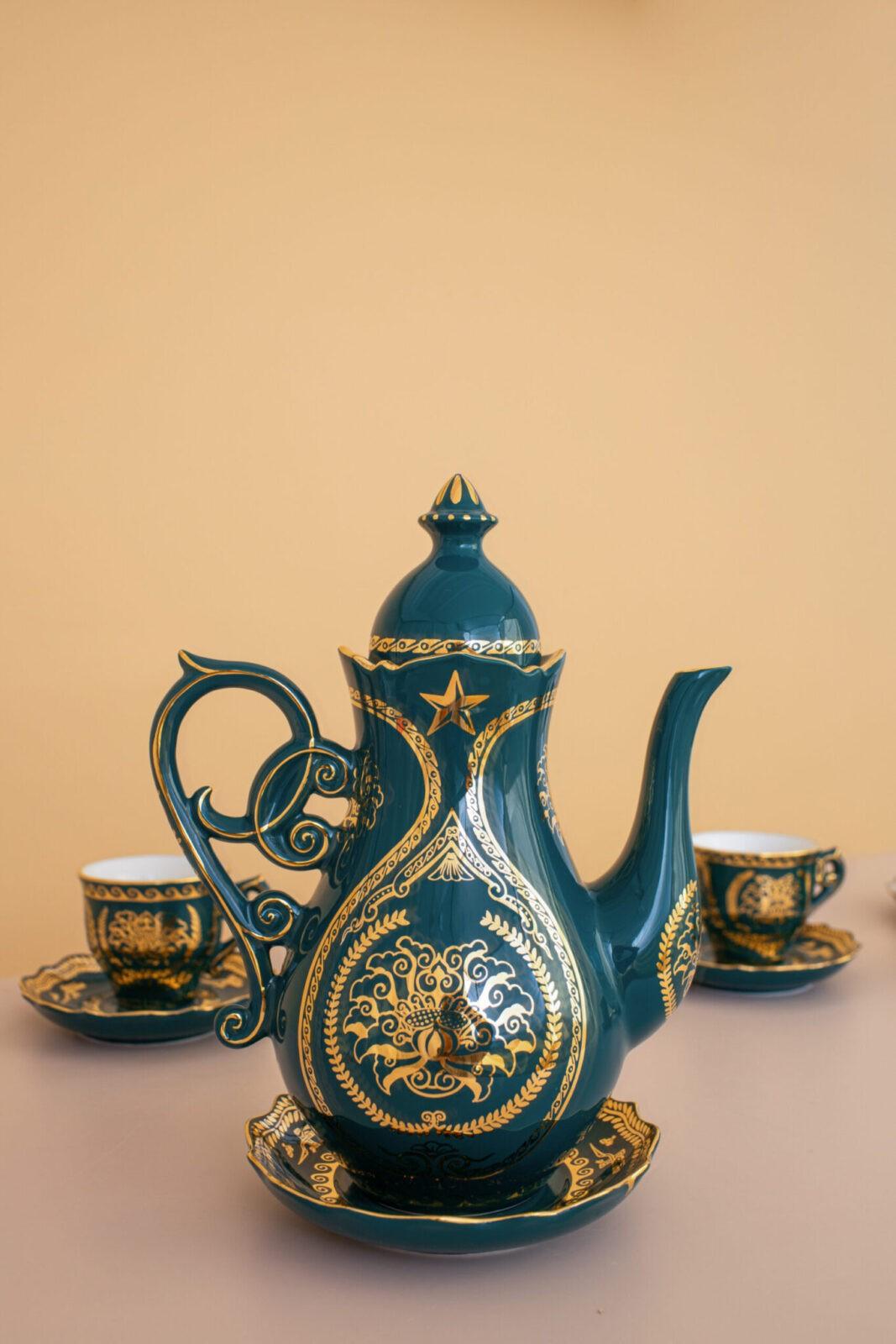 ấm trà nam vương xanh ngọc