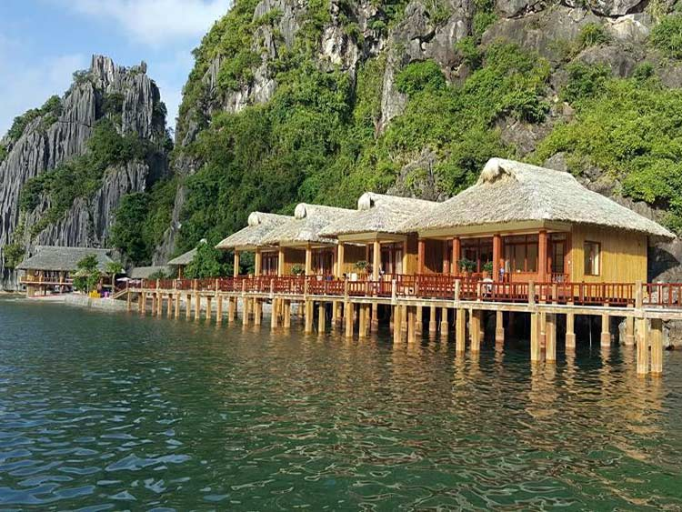 1 night in bungalow stay for Lan Ha bay 3 day tour