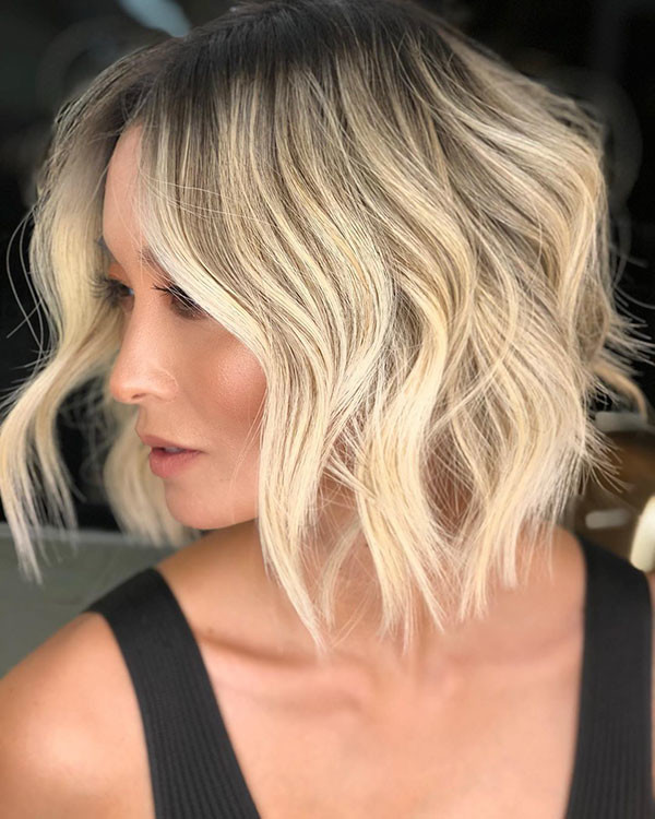 Short-Wavy-Hairstyle New Best Short Haircuts 2019