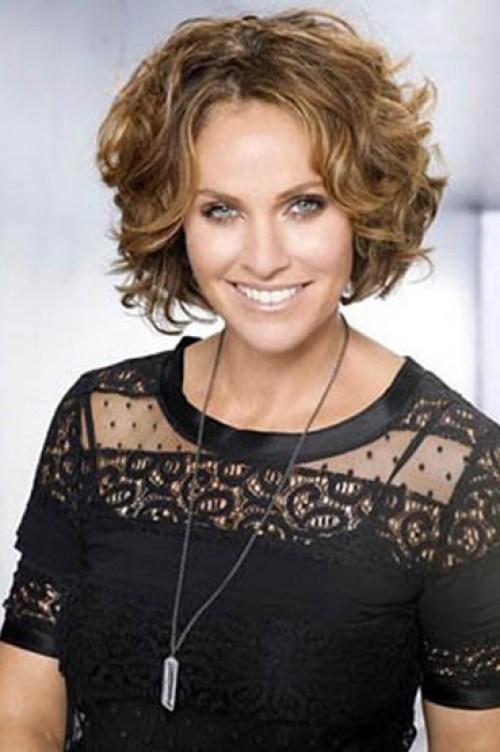 Classy-Look Shailene Woodley's Gorgeous Short Hair