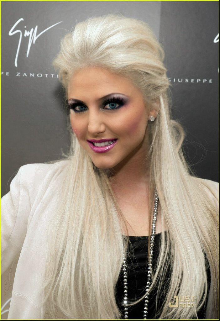 Cassie Scerbo Hair Color Hair Colar And Cut Style