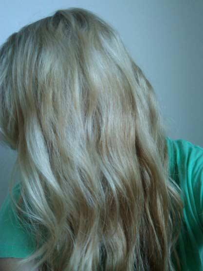 Garnier Olia 90 Light Blonde Hair Colar And Cut Style