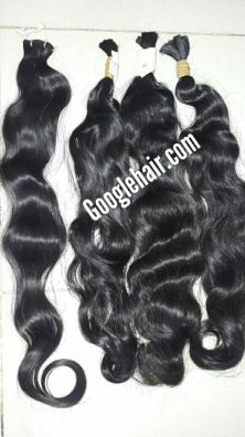 20-inch-hair-extensions-wavy-hair-in-weft 3