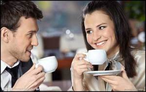 couple-drinking-coffee
