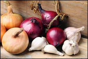 onion-and-garlic-for-hair-loss-and-baldness
