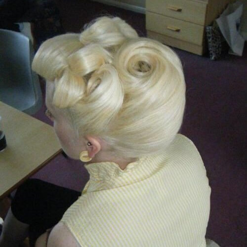50 Pin Up Hairstyles For Retro Glam Hair Motive Hair Motive