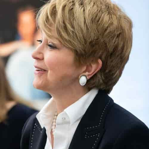 JANE PAULEY HAIRCUT LEFT VIEW