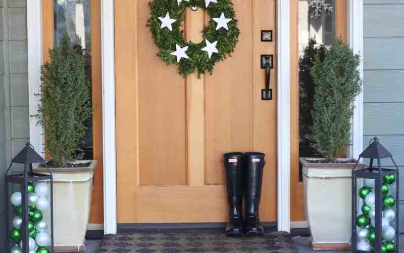 Our Green & White Christmas Porch Tour
