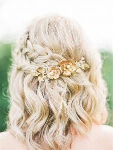 flower clip with simple braids