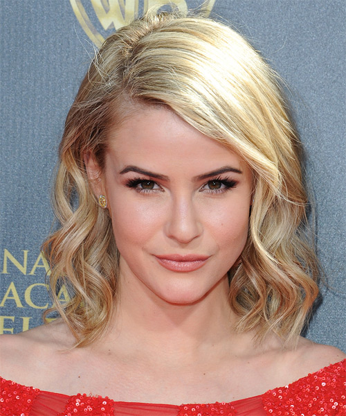 Linsey Godfrey Hairstyles In 2018
