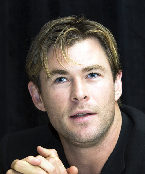 Chris Hemsworth Formal Short Straight Hairstyle With Side