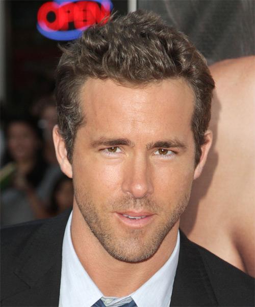 Ryan Reynolds Casual Short Straight Hairstyle Dark