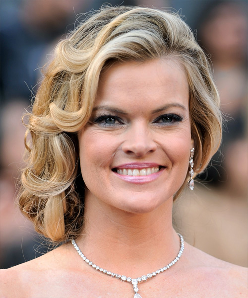Missi Pyle Long Curly Formal Updo Hairstyle Blonde Hair