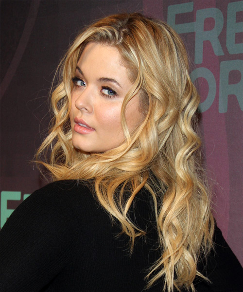 Sasha Pieterse Hairstyles Gallery