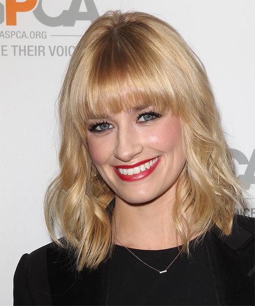 Beth Behrs Medium Wavy Casual Hairstyle Light Honey