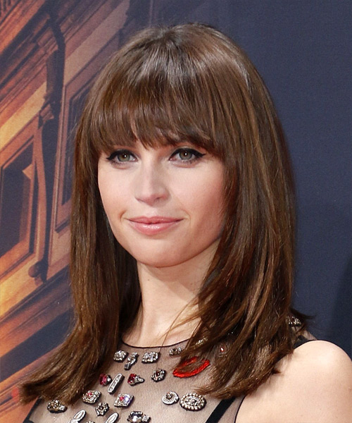 Felicity Jones Hairstyles Hair Cuts And Colors