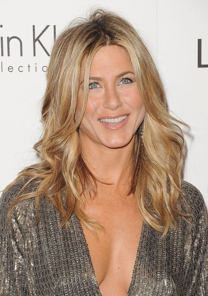 Jennifer Aniston Long Wavy hair style 2012