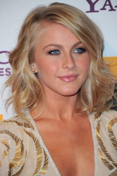 Julianne Hough medium wavy hairstyle 2012