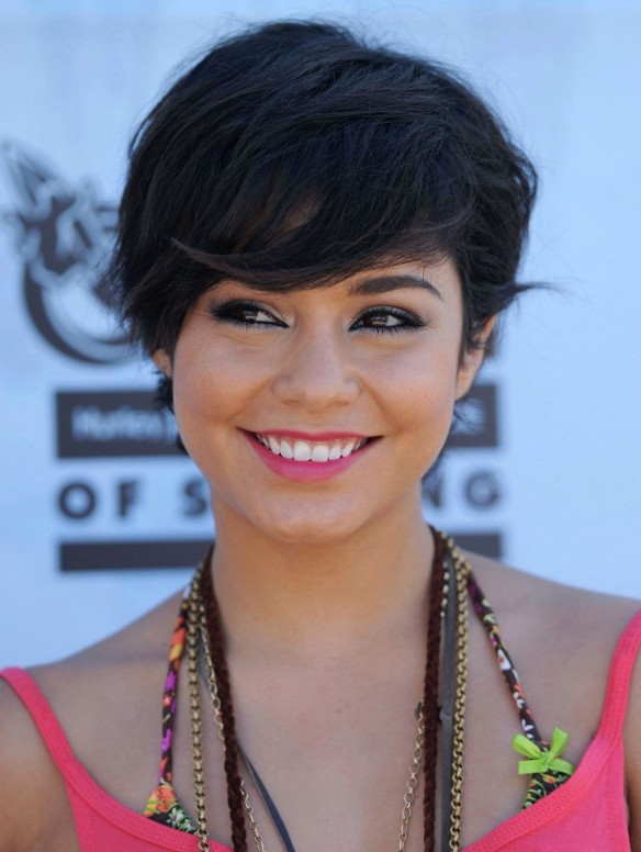 2013 Short Black Hairstyle with Bangs