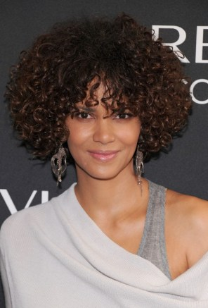 Halle Berry Curly Hairstyle for Black Women
