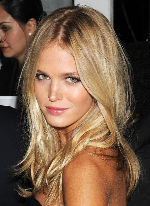 Long Blonde Center Part Hairstyle Hairstyles Weekly