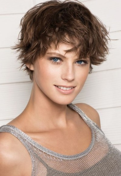 Fun Messy Feminine Short Hairstyles with Layers