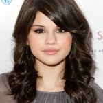 Selena Gomez shoulder length hairstyle for girls