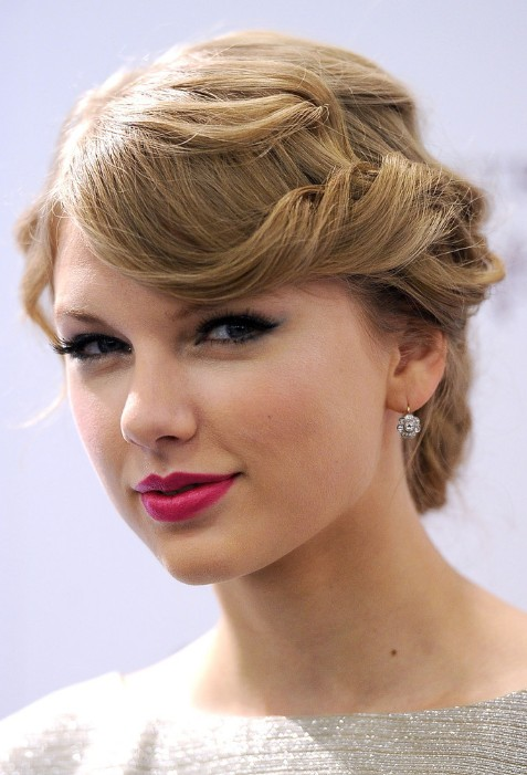 Wedding Hairstyles 2013: Romantic Loose Wedding Bun Updo