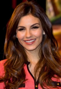 Victoria Justice Hairstyles for Young Ladies