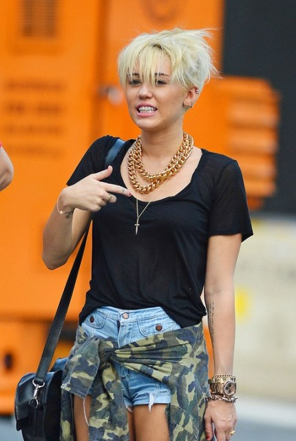 Miley Cyrus New Short Pixie Haircut 2013