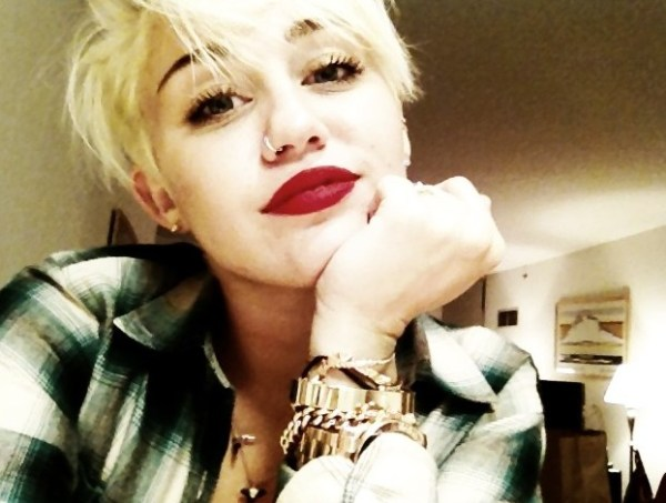 Miley Cyrus Latest Short Hairstyle 2012: Pixie Haircut