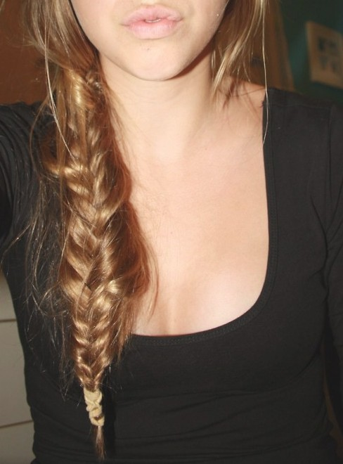 Girls Casual Messy Fishtail Braid Hairstyle