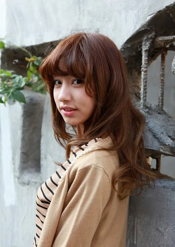 Asian warm brown shoulder length hairstyle