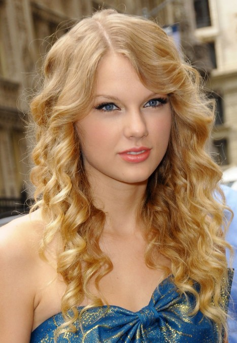 Celebrity Long Curly Hairstyles for Girls