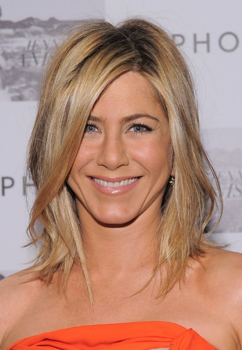 Jennifer Aniston: Medium Straight Hairstyle with Side Swept Bangs