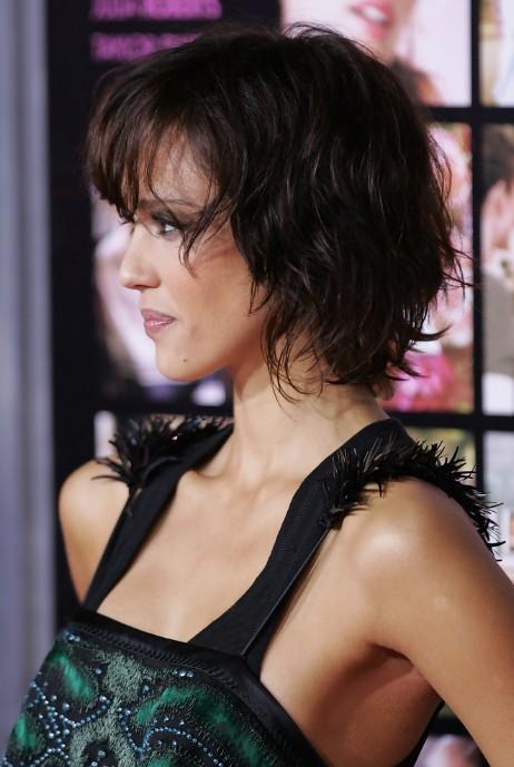 Jessica Alba Textured Short Wavy Bob Hairstyle