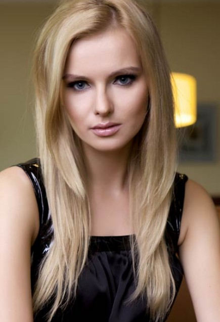 Long Angled Hair: Simple Easy Daily Hairstyles for Female