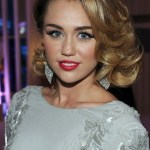 Miley Cyrus Medium Curly Hairstyles: Elegant!