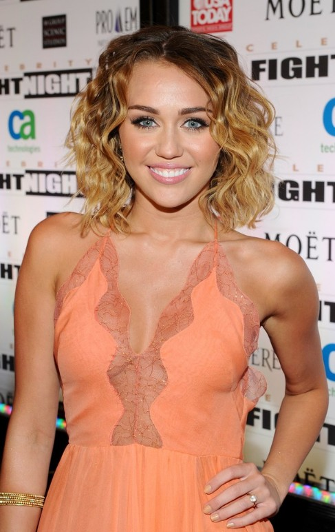 Miley Cyrus Short Curly Ombre Hair: Sexy Short Hairstyles 2013