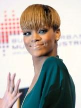 Rihanna Short Sleek Bowl Cut: A Cool Short Cut for Female